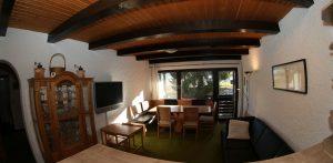 Wohnzimmer - Esszimmer - Blick von der Küche